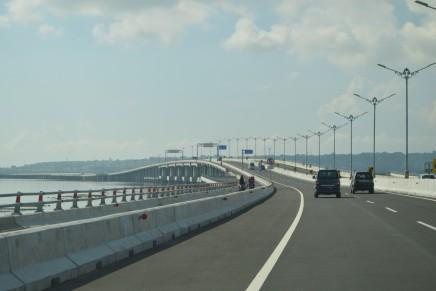 Tol di atas Laut